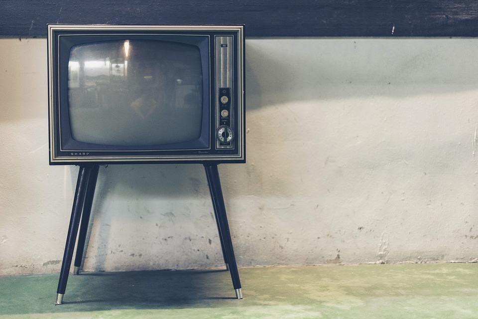 テレビを捨てるメリットとデメリットを考えてみた。